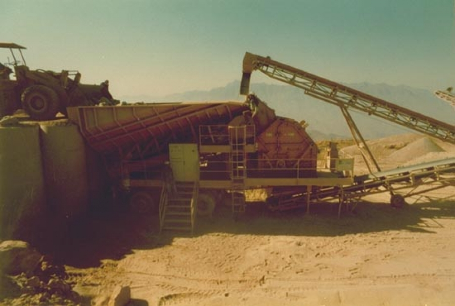 Mobile crusher and selecting unit - YEMEN